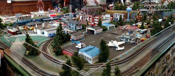 trainshow-pic
