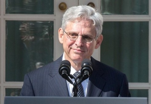 2016_March_16_Merrick_Garland_at_podium_with_Obama_and_Biden_(cropped_to_Garland_shoulders)